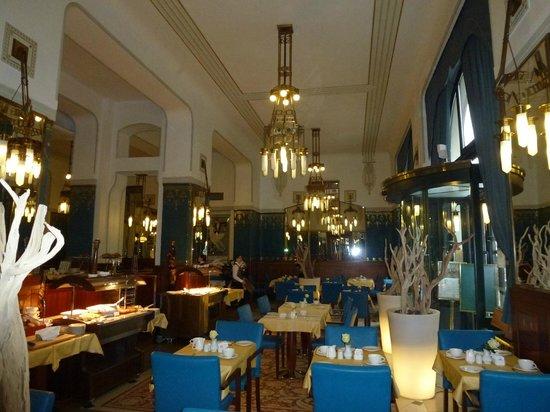 Hotel Paris Prague:                   breakfast en dining