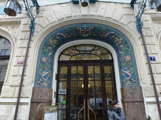 Hotel Paris Prague:                   entrance