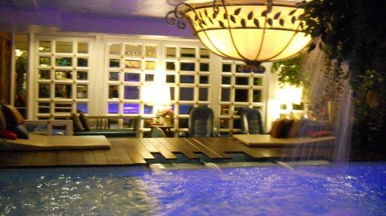 Diamond City Hotel: pool view 2
