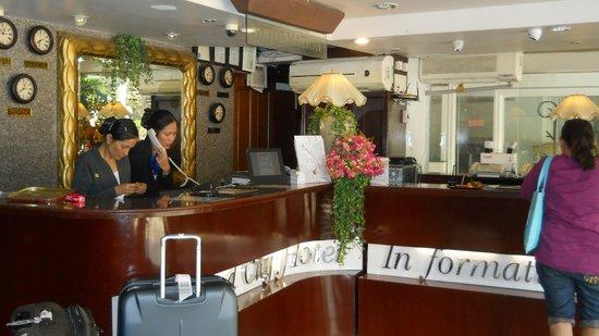 Diamond City Hotel: the hotel staff