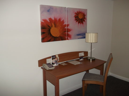 Premier Inn Warwick Hotel:                                                       Desk in room.