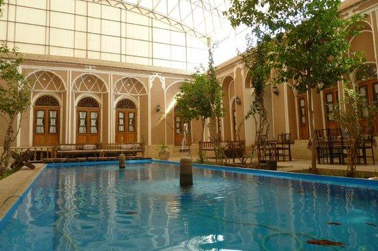 Traditional Kohan Hotel:                   Courtyard