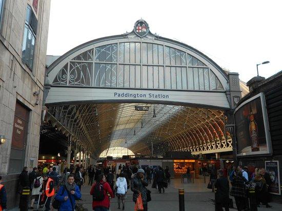 Elysee Hotel: Paddington Station