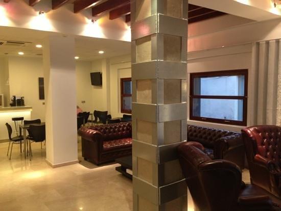 Hotel Rocamar:                   lobby