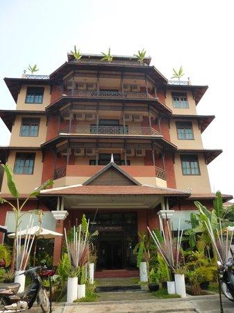 Claremont Angkor Boutique Hotel: Hotel en forme de pagode