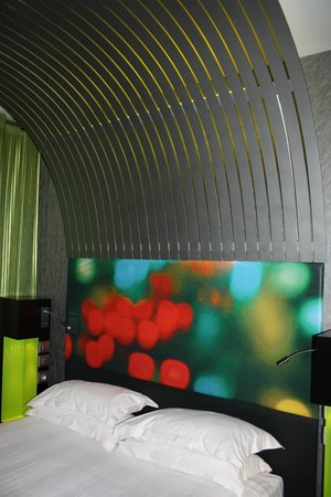 Hotel Sublim Eiffel : Bed