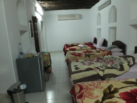 Sharjah Heritage Hostel :                   JUST CHEAP ACCOMODATION  around DUBAI