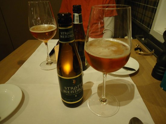 De Barge Hotel: Straffe Hendrik beer that was excellent.
