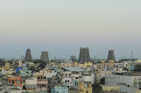 Surya Veg Restaurants (Hotel Supreme): Evening view of Temple from restaurant