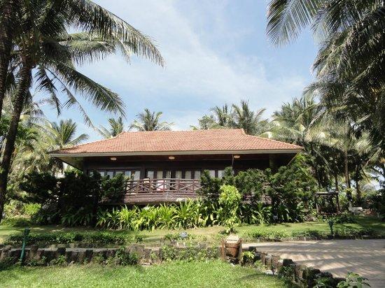 Saigon Phu Quoc Resort:                   Our villa