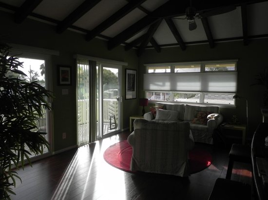 Hale 'Nalo Beach Rentals:                   Living area of the Zen