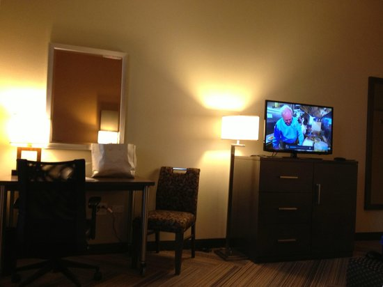 ‪‪Hampton Inn & Suites Austin at The University/Capitol‬:                   Room