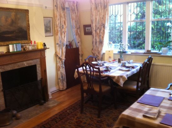 Forest Lodge Bed and Breakfast:                   The breakfast room