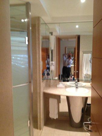 Hilton Sao Paulo Morumbi: Bathroom