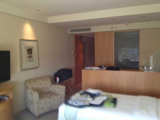 Hilton Sao Paulo Morumbi: Looking from the window into the room