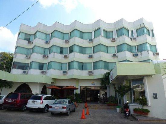 Hotel Plaza Cozumel Entrada Al