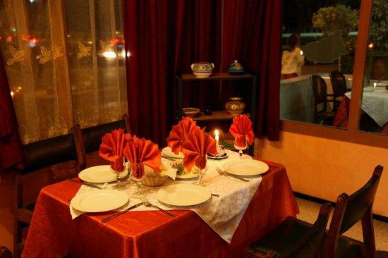 Hotel des Palmiers:                   beau décor mais mauvaise cuisine !