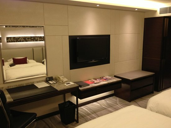 InterContinental Grand Stanford: TV