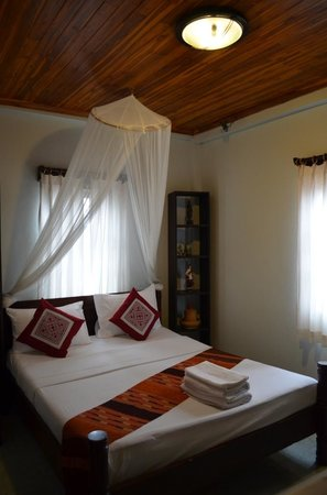 Villa Senesouk:                   Double bed room at ground floor