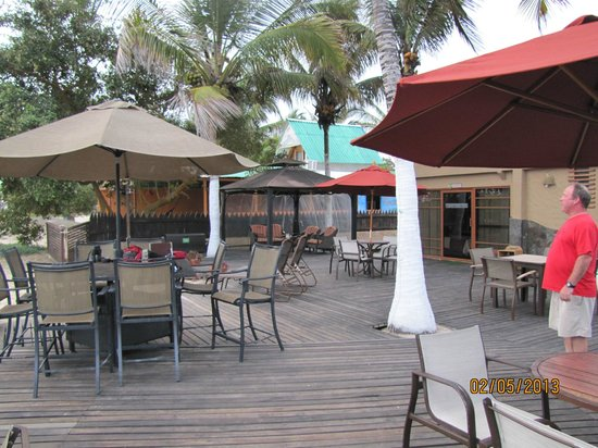 Red Mangrove Isabela Lodge:                   Patio/Outdoor dining