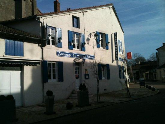 Auberge Le Cheval Blanc:                                     façade extérieure