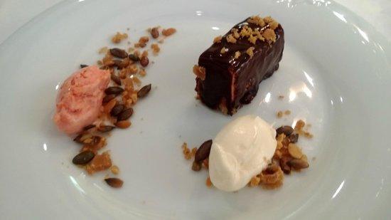 Colonialen Restaurant :                   Fudge cake