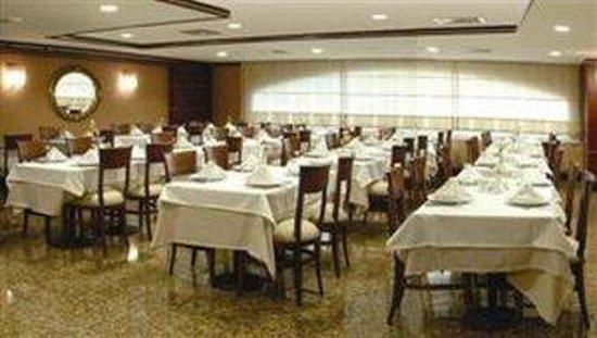 Lion Hotel: Restaurant