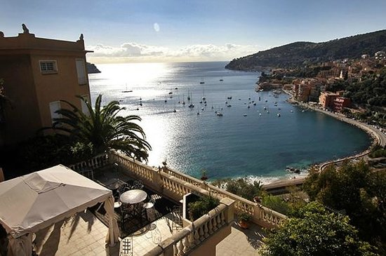 Charterminute Private Day Tours : The Bay of Villefranche sur Mer is a must