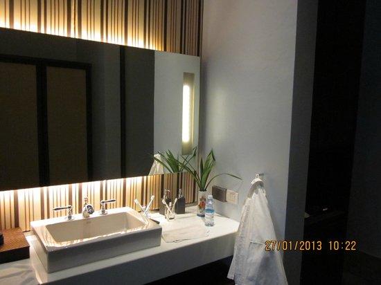 Sofitel Luang Prabang Hotel: in-room washing basin