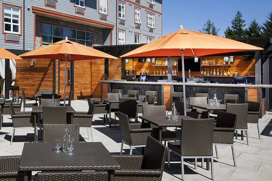 Four Points by Sheraton Victoria Gateway: Rooftop Restaurant and Bar