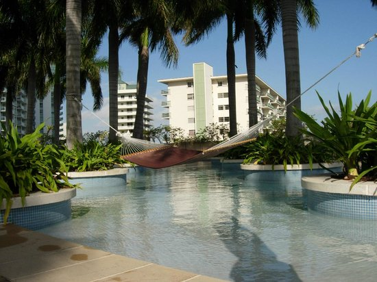 Four Seasons Hotel Miami: Hammock at pool