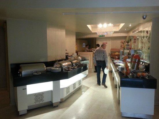 Hotel Ipek Palas: Breakfast