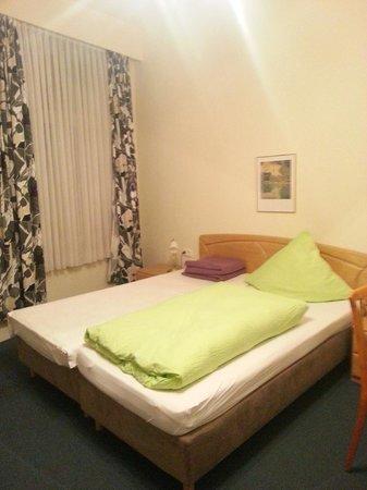 Hotel Bergischer Hof:                   Stanza