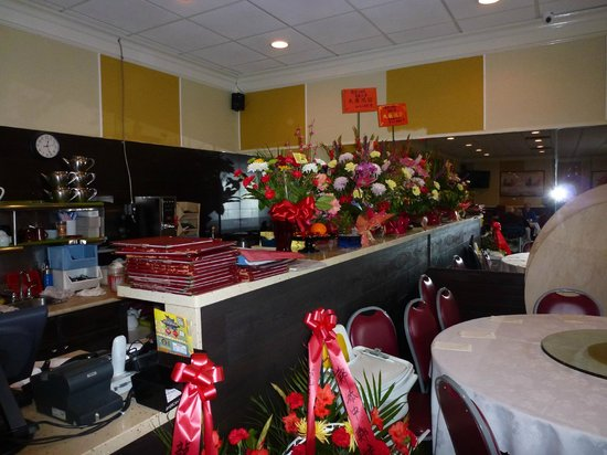 Rickshaw Chinese Food Whalley: Flowers at new location
