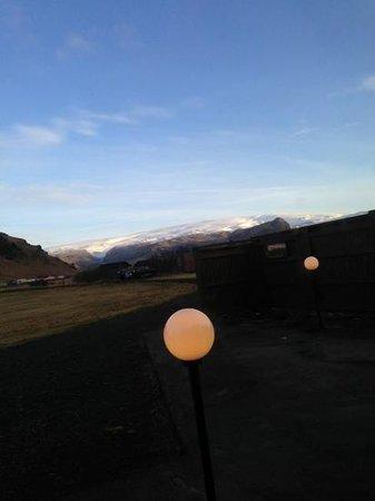 Guesthouse Vellir:                   vue de la salle du petit déjeuner sur le glacier un matin ensolleille