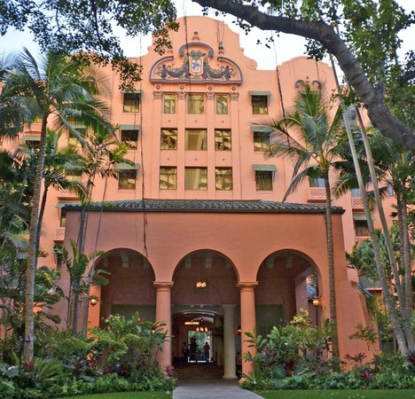 The Royal Hawaiian, a Luxury Collection Resort: RH Rear entrance