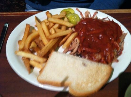 Smokehouse BBQ: pulled pork platter