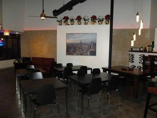 More Italian Pizza Bistro: MI Bistro Dining Area