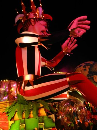 Hotel Villa Victoria:                   Nice Night time Carnival Parade