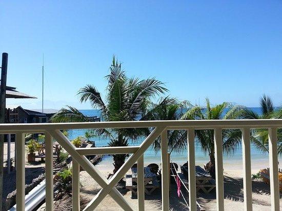 Pirate's Bay Inn Dive Resort :                   Lounging at Pirate Bay Inn