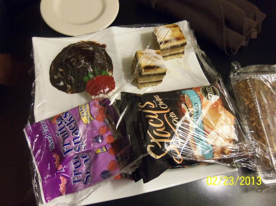 Sheraton Miami Airport Hotel:                   Food brought to our room