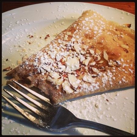 Crepe-Montagne :                   honey & almond crepe