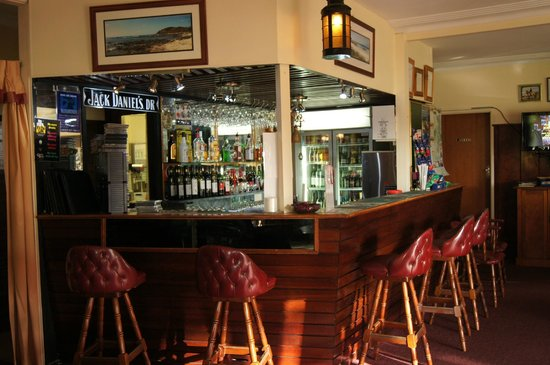 Kempsey Powerhouse Motel: bar in reception area