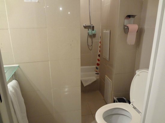 Hotel Hauteville Opera:                   Ванная комната.
