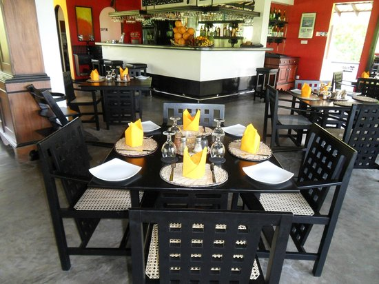Amal Villa Apartments & Rooms:                   Jeden Tag eine andere Serviettenfarbe (Stoff natürlich)