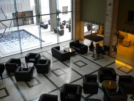 Continental Hotel Budapest: Seating in the reception area