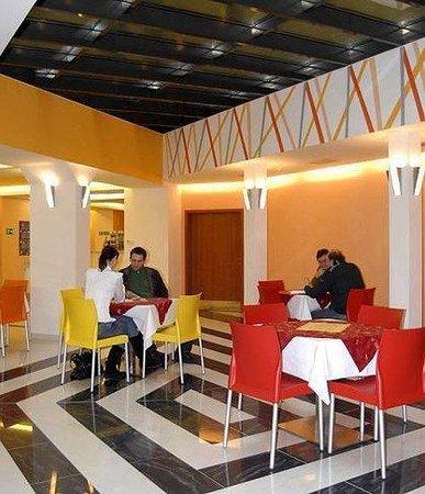 City Central Hotel: Lobby Bar