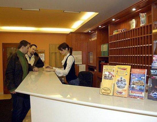 City Central Hotel: Reception Desk