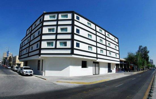 Hotel Portonovo Plaza: Exterior view