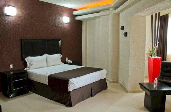 Hotel Portonovo Plaza: Superior room (double bed)